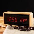 Часовник с бамбуков цвят, звуков сензор, темература, дата, час и