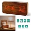 Електронен часовник имитиращ дърво с влагомер, термометър, аларм